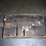 Det gamla smidda låset skall restaureras.