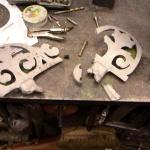 Reparation av gjutjärnskrönlist för fontänskålen.