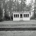 Väntkur i Hädinge som ersatte den fina stationen. Början av 1970 talet.