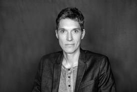 Torben Sigelius Kulin är konstnärlig ledare, skådespelare, kompositör och manusförfattare. Torben har arbetat på Teater Jaguar sedan 2002.