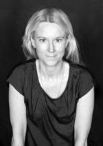 Louise Juliusson är konstnärlig ledare, skådespelare och manusförfattare.  Louise har arbetat på Teater Jaguar sedan 2012.