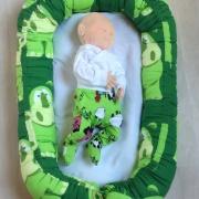 Babybädd, gröna flodhästar