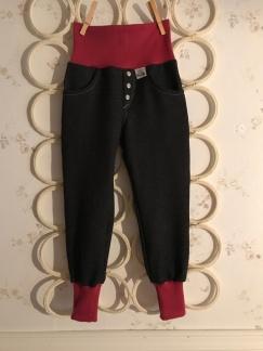 Rocko Jeans med färgad mudd - Rocko Caramell vinröd stl 74