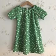 Singoallaklänning grön med prick ekologisk bomull