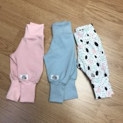 Byxor baby rosa, ljusblå eller med prickar ekologiskt tyg