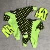 Clownoverall med prickar grön till Baby Born