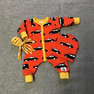 Dockoverall orange m bilar 43 cm - Dockoverall mössa orange bilar 43 cm