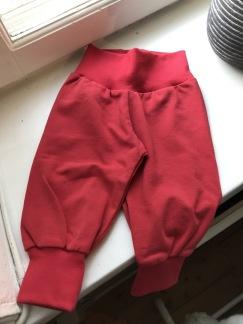 Babybyxor  röd ekologisk bomull - Babybyxor röda ekologisk bomull stl 56
