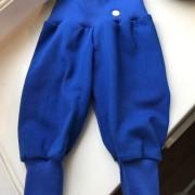 Babybyxor klarblå kologiskbomullstrikå