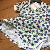 Bodyklänning ekologisk bomull med blåbär - Bodyklänning m blåbär stl 68