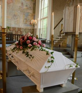 Kistdekoration rosa rosor -