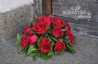 Liten kudde - Röda rosor (enligt bild)