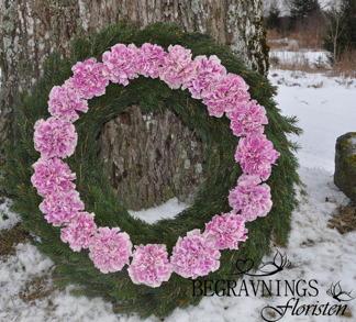 Krans med nejikor - Rosa nejlikor (enligt bild)