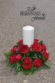 Ljusarrangemang - Röda rosor (enligt bild)