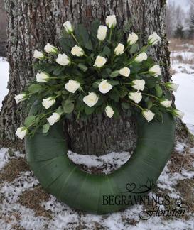 Krans - Vita rosor (enligt bild)