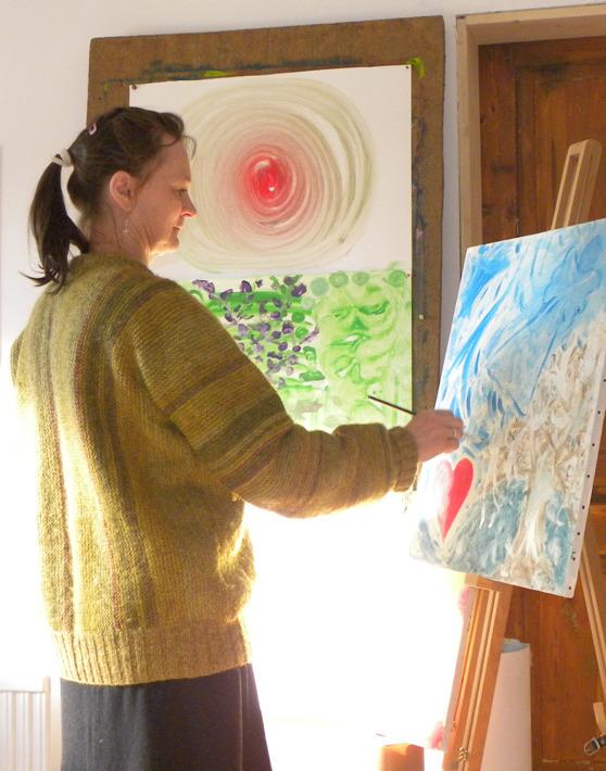 Frigörande målning i Falkenberg. Kurser i frigörande målning med naturterapeut Yvonne Roobol i Vessigebro utanför Falkenberg, Halland