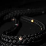 Enfärgat rep med Swarovskistenar - FIG
