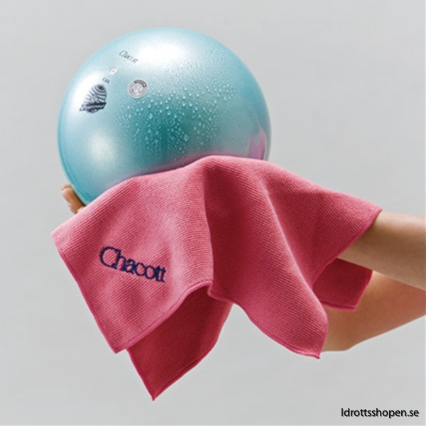 Chacott towel with ball
