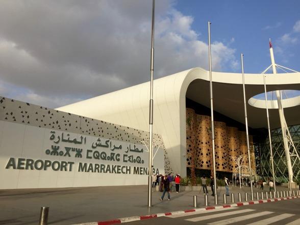 Marockoresan bokar din transport från flygplatsen i Mararkechså att du lotsas hela vägen fram till din riad.