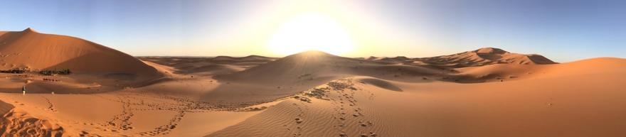 Med marockoresan.se kan du få uppleva en soluppgång i Sahara, sova i tält under stjärnklar himmel och rida dromedar i tystnaden. Marocko  är magiskt!