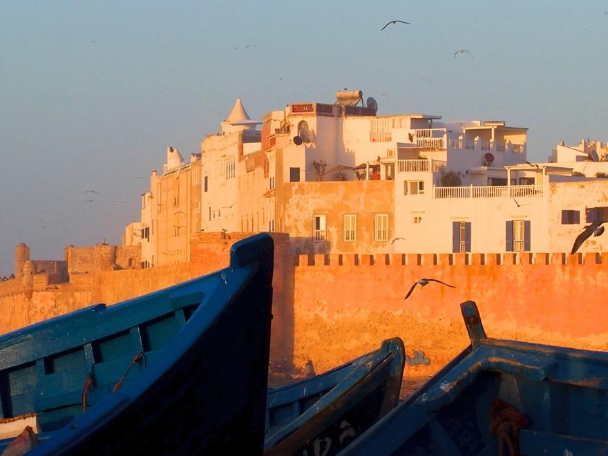 Finns det något bättre än Unescoskyddade Essaouira i kvällsol? Här övervintrar marockoresan.se själv och kan fixa allt för din resa.