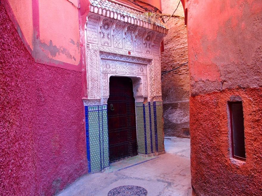 Marockoresans City Tour i Marrakech med privat, engelsktalande guide, tar dig med på hästdroske-tur och promenad i bostadskvarteren.