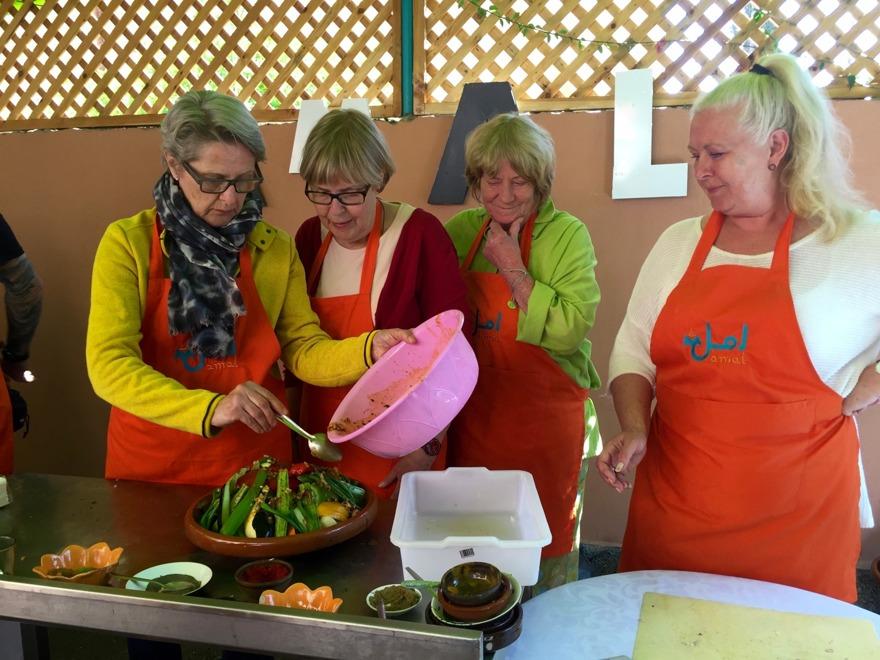 Amal = hopp. Det vill Marockoresan bidra till genom matlagningskursen på Amals Training Center, för flickor i utanförskap i Marrakech.