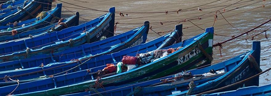 Essaouiras hamn är under ombyggnad. Missa inte att skåda de blå båtarna när de kommer in med sin fångst varje dag. marockoresan.se