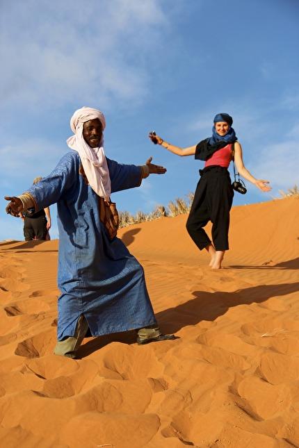 Verkligheten i Saharas sanddyner överträffar nästan dikten.
