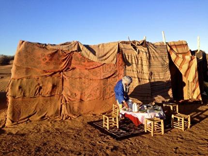 Saharas sandöken vid M´hamid är vildare, har lägre sanddyner, men ligger närmare Marrakech.