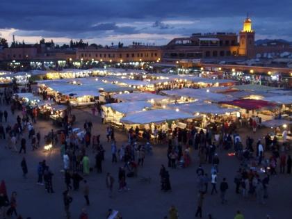Första kvällen i Marrakech äter Marockoresan på Djemaa el Fna