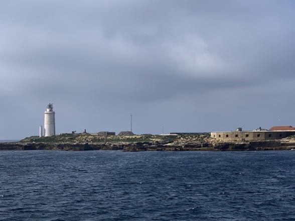 Färjan från Tarifa till Tanger tar en knapp timme och går varannan timme.