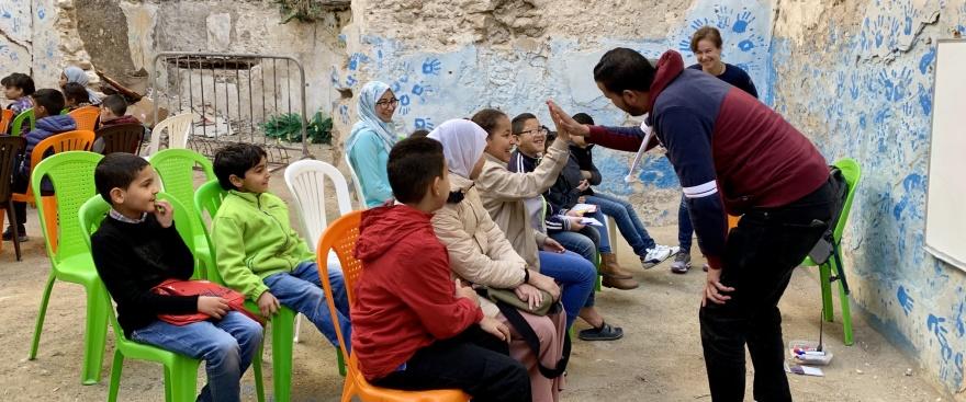 English Street Class i Essaouira hålls alla vardagskvällar för vuxna och söndagförmiddag för barn. Alltid kostnadsfritt med volontärer.