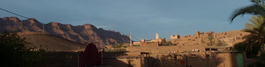 Ungefär en tredjedel av marockanerna är analfabeter, men siffran blir lägre för varje år. Idag börjar nästan alla barn i skolan.