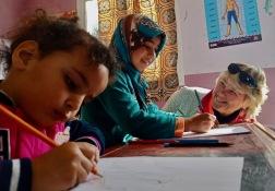 Marockoresan stödjer vid behov olika organisationer som arbetar för att möjliggöra framtida egenförsörjning.
