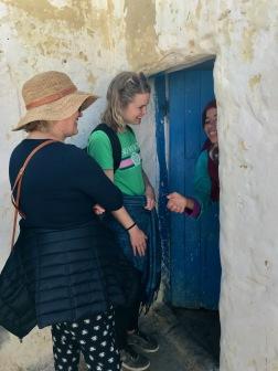 Marockoresan strävar efter att bidra till möten med lokalbefolkningen. Då vi också kan bidra till försörjningen.