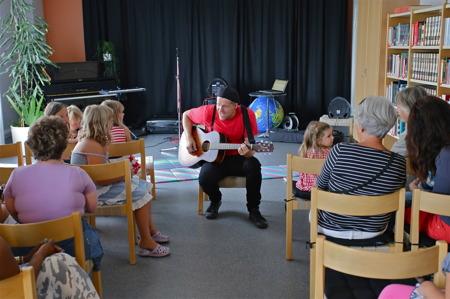 Barnaktivitet i Årjängs bibliotek.