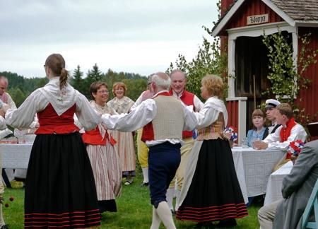 Värmlänningarna på hembygdsgården Kloppa.