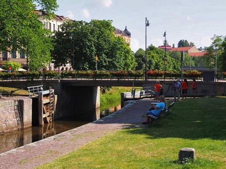Pråmkanalen i Haga - foto Peter Labraaten.