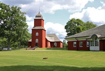 Svanskogs kyrka och församlingshem.