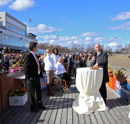 Region Värmlands regiondirektör Lars Christensen invigde Långfredagstravet.
