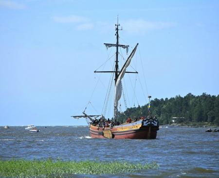 Bojorten Christine af Bro går ut för att möta Ostindiefararen Götheborg.