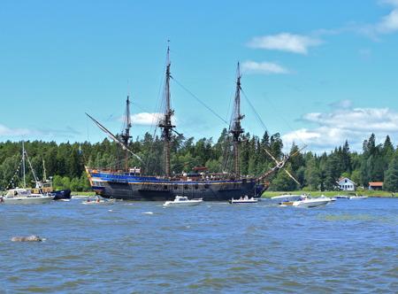 7 juli 2015 - Ostindiefararen Götheborg kom på besök till Kristinehamn.
