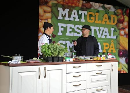 Matlagning på scenen.
