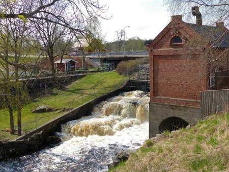 Området vid övre forsen med kraftstationen och sluss 31 i Dalslands Kanal.