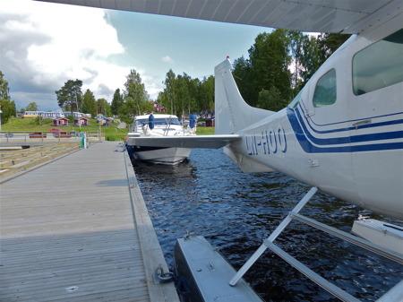 Det händer att Gästhamnen även får fungera som flyghamn.