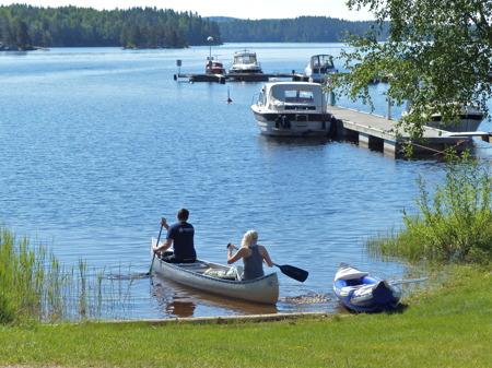 Dags för en kanotupplevelse på Foxens vatten.