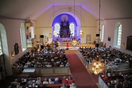 Allsköns musik i Holmedals kyrka.