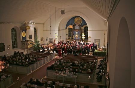 Julkonsert i Holmedals kyrka.