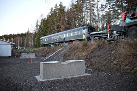 SJ:s sovvagn anländer till Silleruds station.